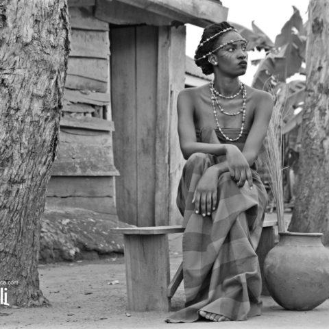 Yemmah African setting