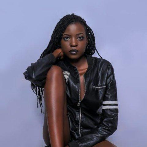 Agatha seated – Cavalli Models Africa